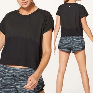 Lululemon Final Lap Short Sleeve - in black